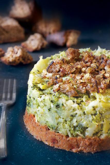 tortino senza glutine di broccoli con pane abbrustolito